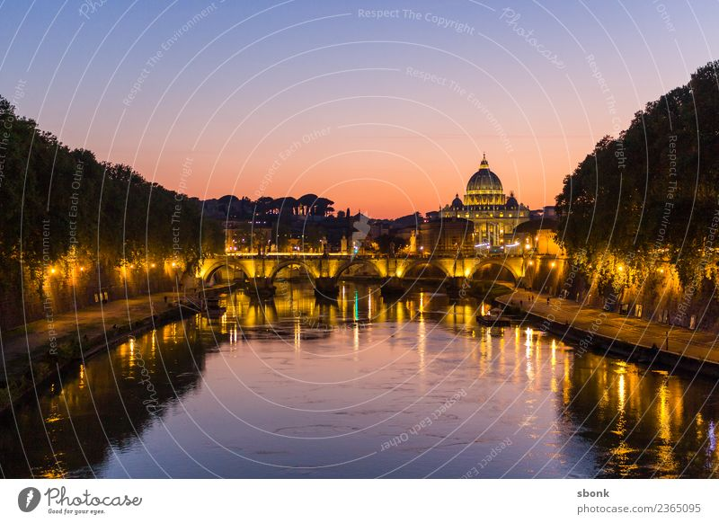 Rome in the evening Vacation & Travel Manmade structures Building Architecture Tourist Attraction Landmark Monument Romany Italy City Europe EU Colour photo