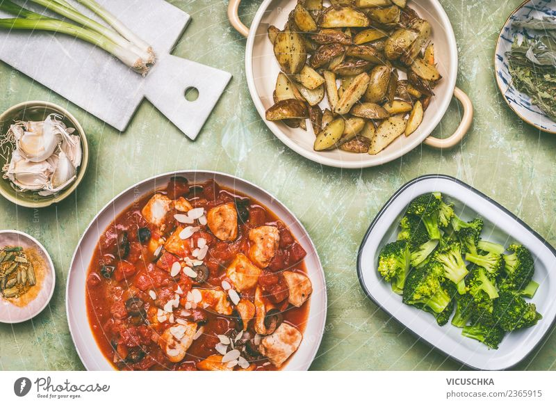 Balanced meal with chicken and vegetables Food Meat Vegetable Nutrition Lunch Organic produce Diet Crockery Bowl Pot Pan Design Healthy Eating Style Chicken