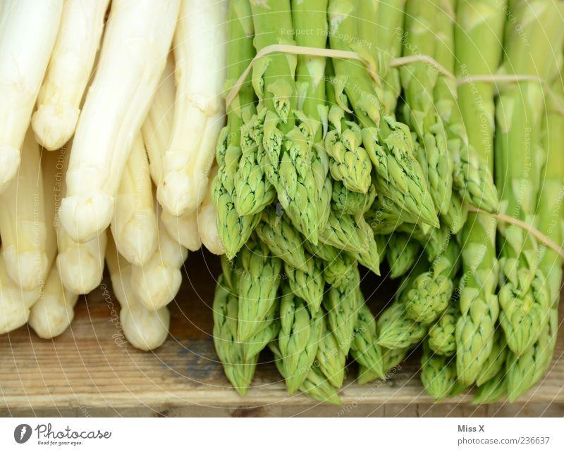 asparagus Food Vegetable Green White Asparagus Asparagus season Bunch of asparagus Asparagus spears Vegetable market Fruit- or Vegetable stall Colour photo