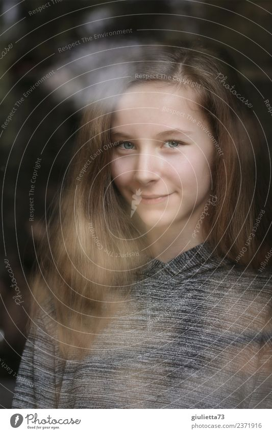 I see you Portrait of a Girl Mirrored in a Window Feminine Young woman Youth (Young adults) 1 Human being 8 - 13 years Child Infancy 13 - 18 years Long-haired