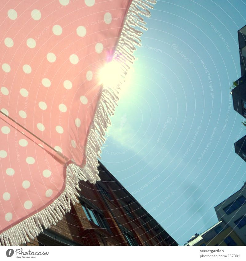 Sky Blue Sun Summer Happy Bright Flat (apartment) Pink Leisure and hobbies Facade Perspective Living or residing Warm-heartedness Break Retro Cloth