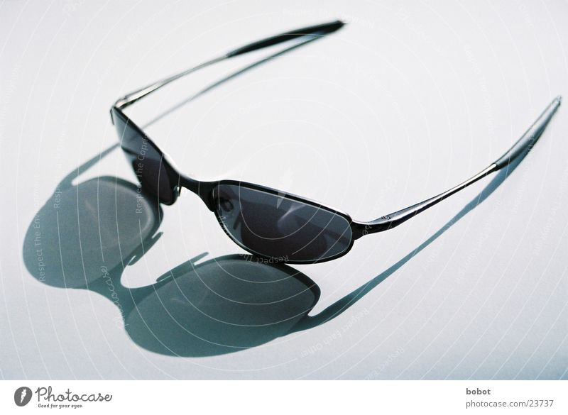 Oakley Sunglasses Physics Summer Dazzle Ice-cream parlor Leisure and hobbies Bright Warmth darken solar glass nose bicycle Cool (slang) :) perfect fit