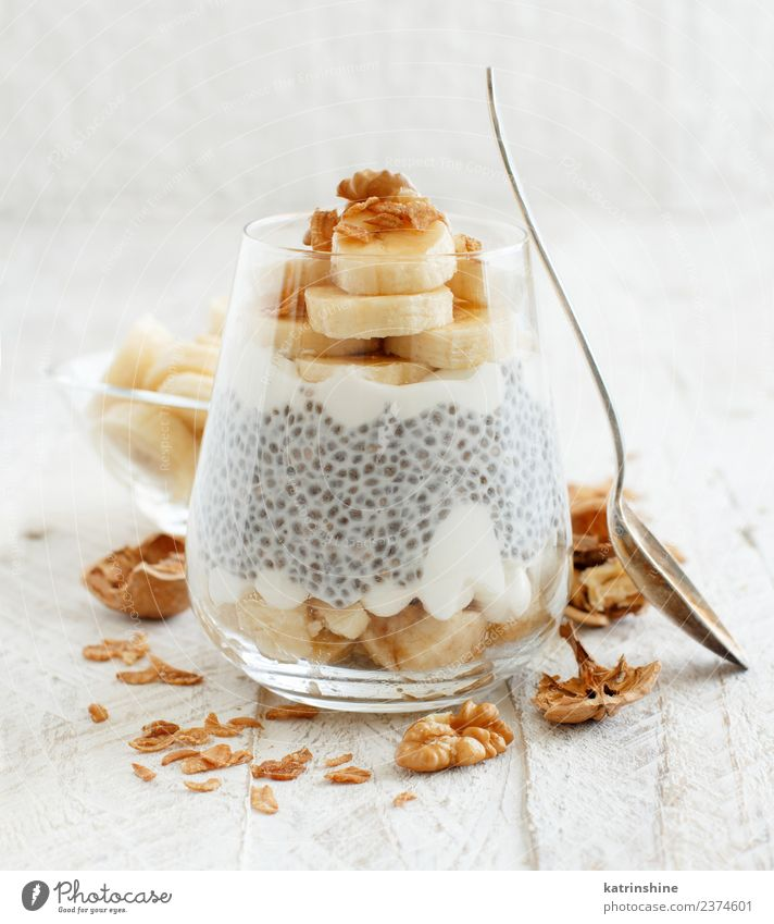 v Yoghurt Fruit Dessert Eating Breakfast Diet Bowl Spoon White Cereal chia Pudding seed Dairy glass Gourmet greek yogurt healthy Home-made Meal Oats Organic