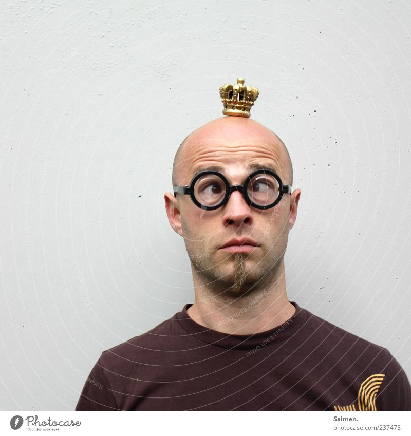 Human being Man Face Adults Head Funny Exceptional Masculine Eyeglasses T-shirt Wrinkle Whimsical Facial hair Facial expression Bald or shaved head Nerdy