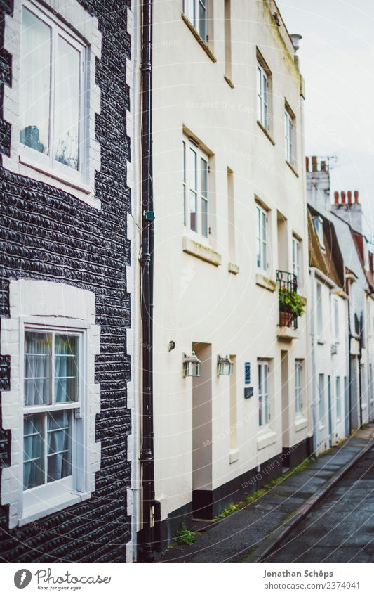 Houses on the street in Brighton, England Town Exterior shot Colour photo Deserted Street lighting House (Residential Structure) Facade Old Window Architecture