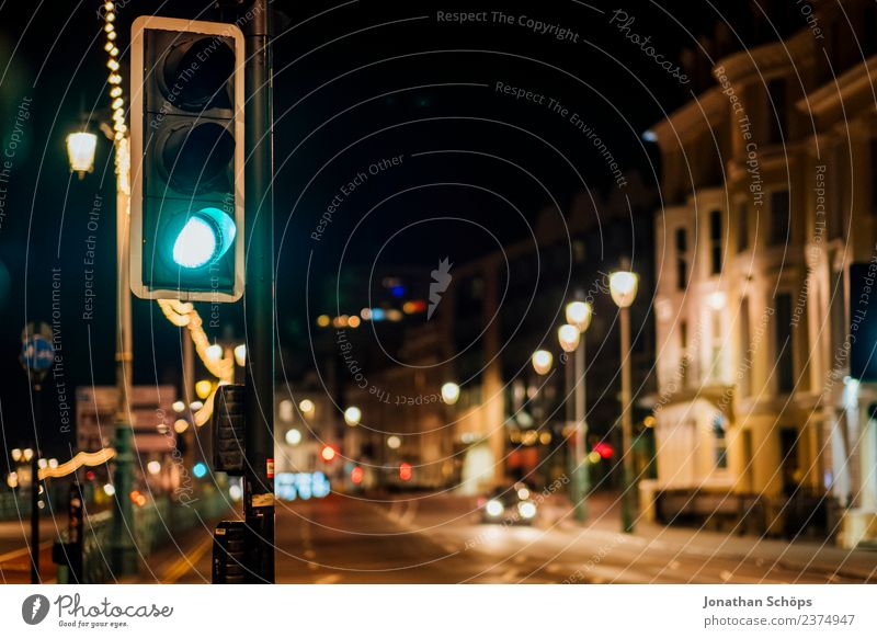 green traffic light at night in Brighton, England Esthetic Background picture Dark Light Night mood Night shot Structures and shapes Colour photo Exterior shot