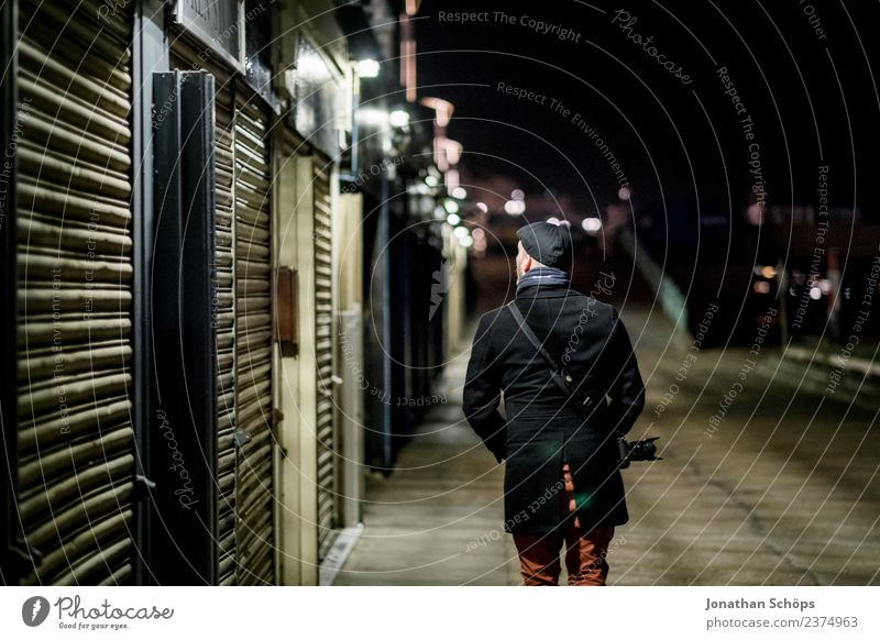 Photographer walks through the city at night Vacation & Travel Tourism Sightseeing City trip Masculine 1 Human being Brighton Great Britain Europe Town Downtown
