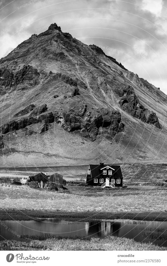 Iceland IX Mountain House (Residential Structure) Lake Belt highway Vacation & Travel Hiking Nordic Black & white photo Contrast Loneliness Home country