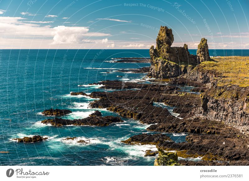 Green Water Sun Ocean Far-off places Mountain Grass Rock Hiking Vantage point Beautiful weather Peak Panorama (Format) Iceland Moss Cliff