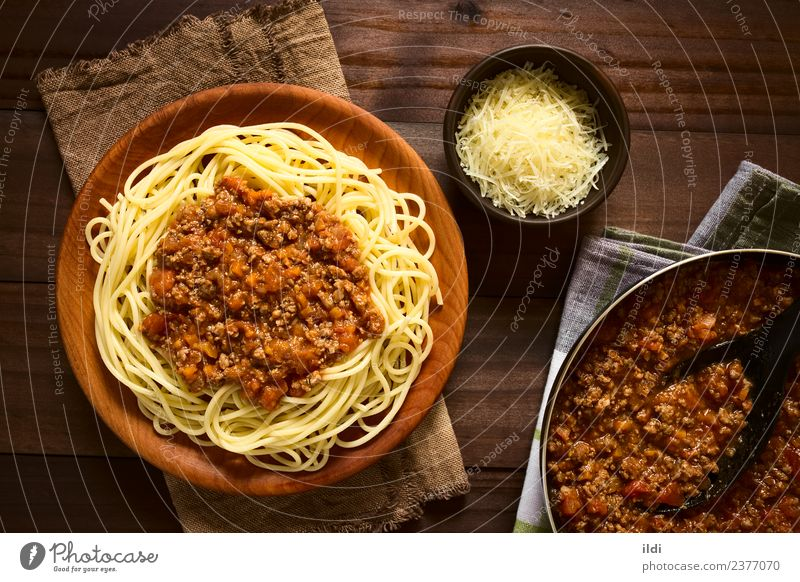 Spaghetti Bolognese Meat Dough Baked goods Italian Food Plate Fresh food pasta Sauce Home-made Tomato Beef mincemeat minced Ground European Classic Meal Dish
