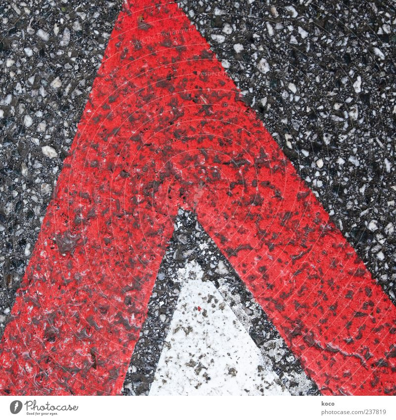 White Red Black Street Gray Line Signs and labeling Signage Point Simple Asphalt Sign Arrow Traffic infrastructure Sharp-edged Road sign