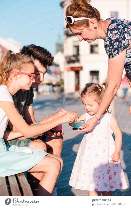 Family spending time together in the city centre Dessert Ice cream Eating Lifestyle Joy Happy Beautiful Leisure and hobbies Vacation & Travel Summer Toddler