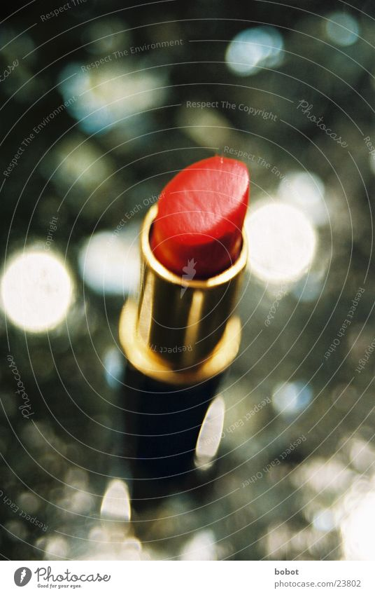 Red lips should be ... Lipstick Make-up Kissing Bathroom Beautiful Attempt Leisure and hobbies Mouth Painting (action, work) seduce Alluring