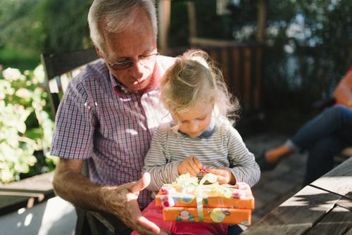 Gifts! Leisure and hobbies Garden Masculine Child Girl Male senior Man Grandparents Senior citizen Grandfather Family & Relations Infancy Life 2 Human being
