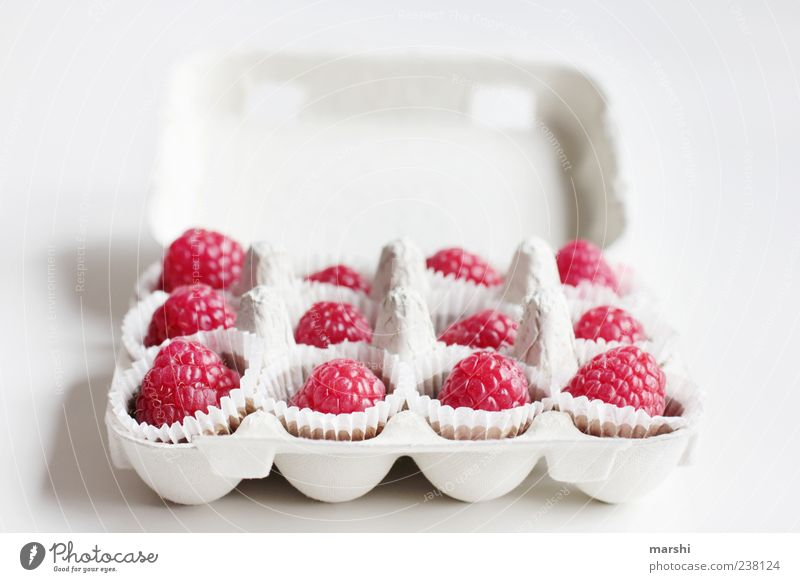 White Red Small Pink Fruit Food Nutrition Sweet Candy Delicious Box Berries Carton Dessert Packaging Isolated Image