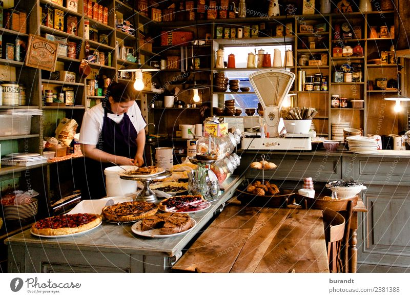 French café in Rennes Nutrition To have a coffee Cake Gateau Style Room Baker Bakery shop Feminine 1 Human being 30 - 45 years Adults Esthetic Friendliness