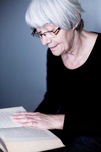 The Reader Healthy Well-being Contentment Leisure and hobbies Reading Education Human being Female senior Woman Senior citizen Life 45 - 60 years Adults