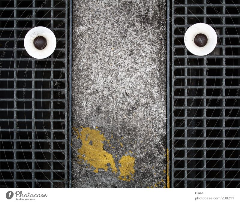 Colour Face Yellow Street Dye Funny Concrete Rust Grating False Humor Screw Covers (Construction) Shaft