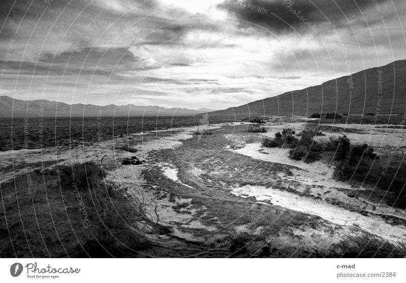 Clouds Far-off places Landscape Moody USA Desert California Riverbed