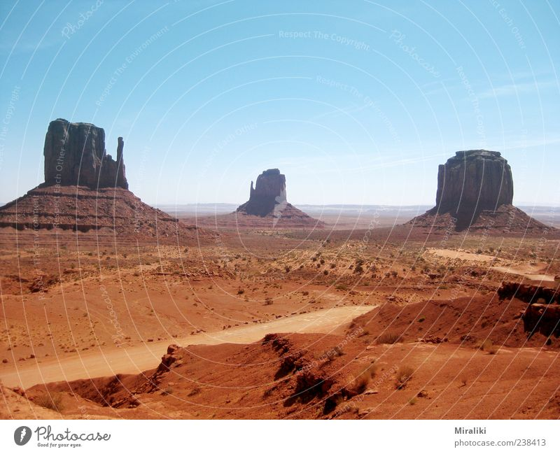 Monument Valley Landscape Cloudless sky Beautiful weather Mountain Canyon Hot Navajo Nation Reservation west middle butte East Mid Butte Merrick Butte