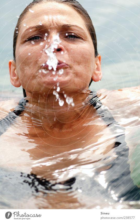 bathe Beach vacation Aquatics Swimming & Bathing Human being Feminine Woman Adults Head 1 Water Drops of water Summer Beautiful weather Lake Bikini Fluid Cold