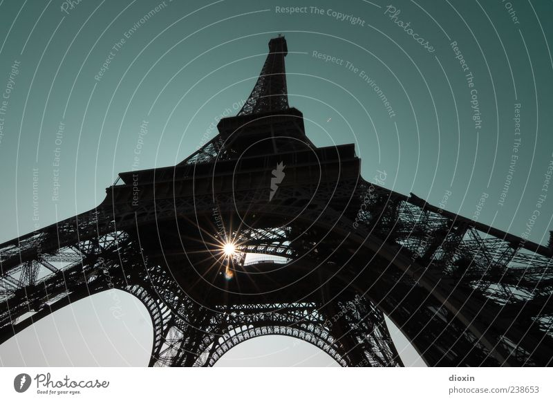 Sky Old Vacation & Travel Sun Architecture Exceptional Tall Trip Tourism Authentic Illuminate Europe Tower Manmade structures Paris Landmark