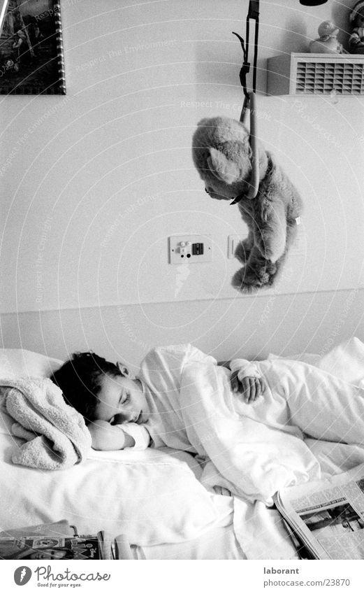 teddy end Illness Man Teddy bear Toys Bed Hospital Sleep Cushion Hang Boy (child) Black & white photo Blanket Bear Pillow