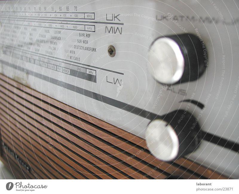 radio scale Scale Volume Wood Broacaster Buttons Sixties Leisure and hobbies Radio (broadcasting) Veneer Music rotary knob
