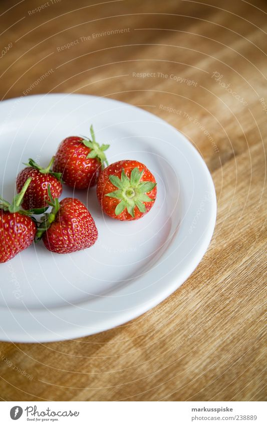freshly picked Food Fruit Dessert Strawberry Fresh Strawberry variety Nutrition Breakfast Organic produce Vegetarian diet Slow food Finger food Plate Healthy