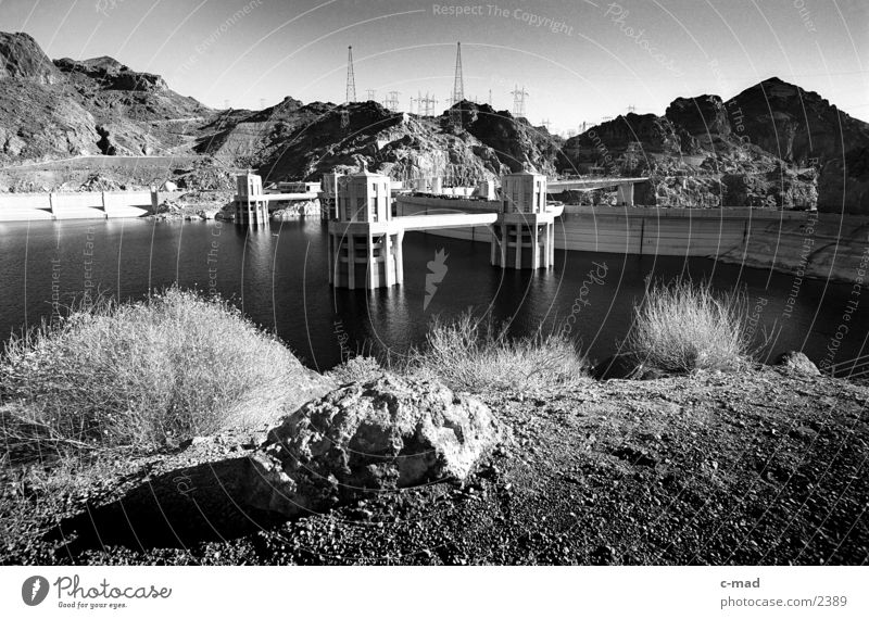 hoverdam Arizona Nevada USA Black & white photo Landscape Technology Hoover Dam Retaining wall Architecture Reservoir Water Deserted Colorado River