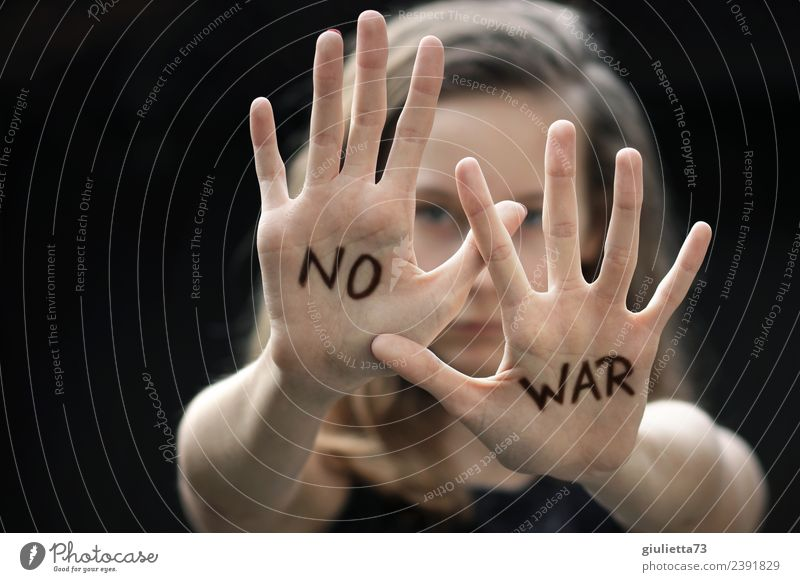 Rejection, stop! No, never war again! Feminine Child girl Young woman Youth (Young adults) by hand 1 Human being 8 - 13 years Infancy 13 - 18 years Long-haired