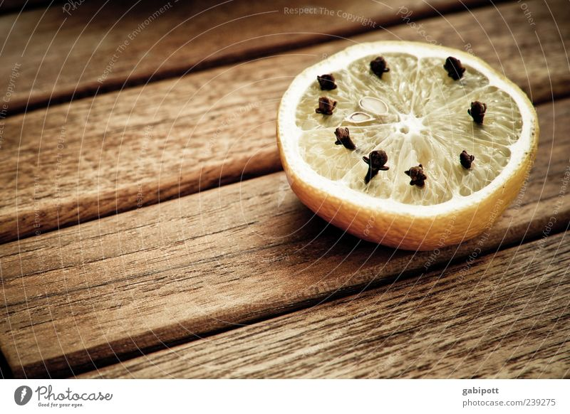 Relaxation Yellow Food Wood Brown Fruit Table Living or residing Idyll Herbs and spices Fragrance Lemon Sour Wooden table Board Light