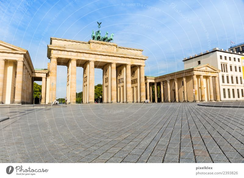 Brandenburg Gate Vacation & Travel Tourism Trip Sightseeing City trip Berlin Downtown Berlin Germany Europe Town Capital city House (Residential Structure)