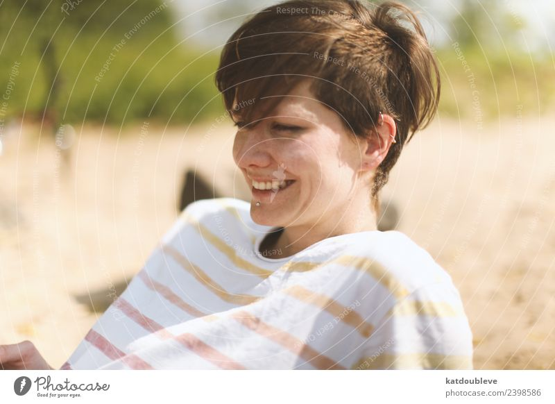 the good taste of sun Feminine Androgynous Homosexual Relaxation Smiling Laughter Free Friendliness Happiness Happy Cute Positive Moody Joy Caution Serene