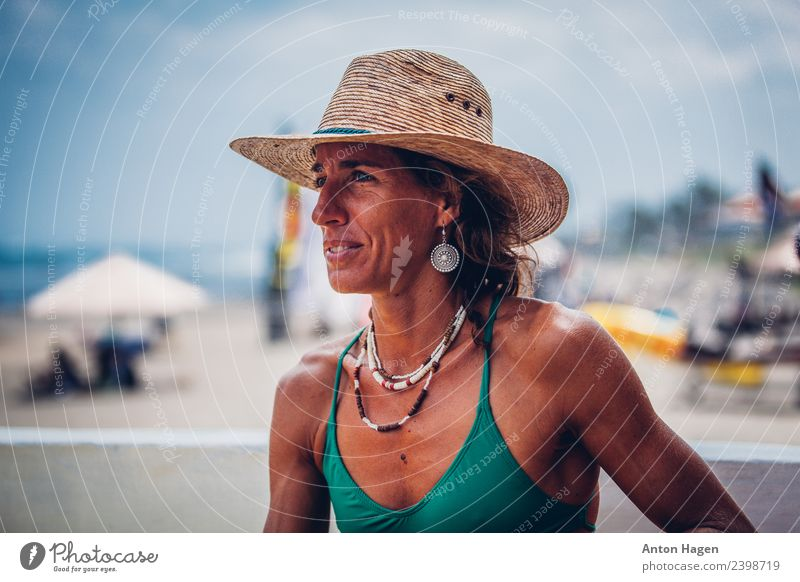 Woman in the straw hat on the beach Lifestyle Athletic Fitness Well-being Masculine Feminine Adults 1 Human being 30 - 45 years Enthusiasm Passion Dedication