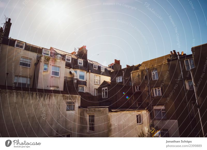 Sky Old Town Sun House (Residential Structure) Window Architecture Building Facade Esthetic Manmade structures Cloudless sky Downtown Chimney England Courtyard