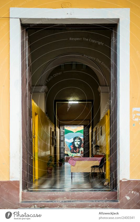 Entrance and hallway with Che Guevara picture Cuba Trinidade House (Residential Structure) Apartment Building Hallway Painted Portrait photograph Hero Deserted