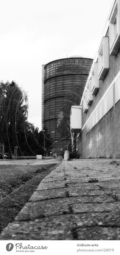 grey_mouse__views Town Overexposure Worm's-eye view Portrait format Architecture Tower Black & white photo