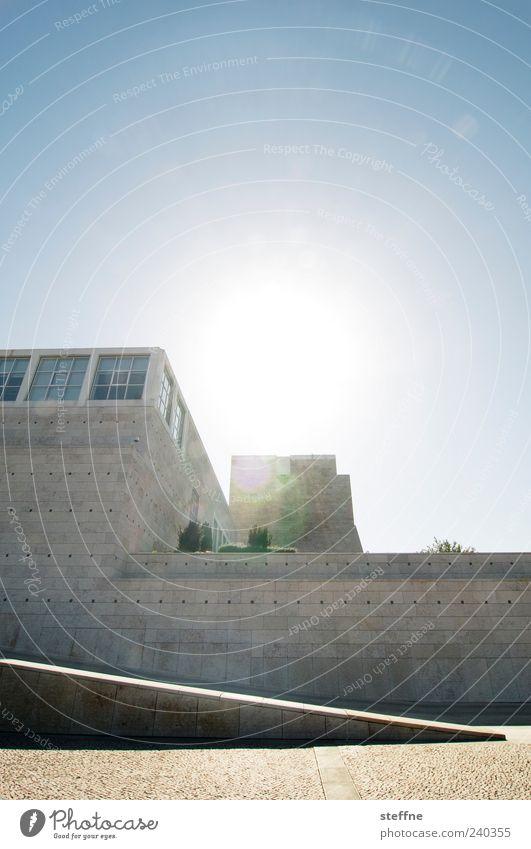 Backlight aperture Cloudless sky Sun Sunlight Summer Beautiful weather Lisbon Portugal Building Architecture Wall (barrier) Wall (building) Esthetic Museum
