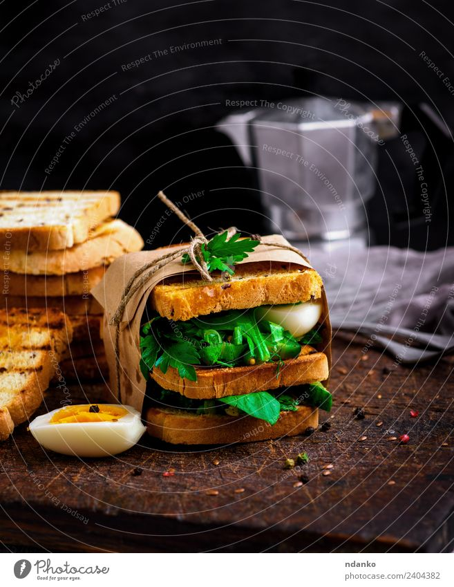 sandwich of French toast Vegetable Lettuce Salad Bread Breakfast Lunch Dinner Vegetarian diet Eating Fresh Delicious Brown Green White Sandwich french Tomato