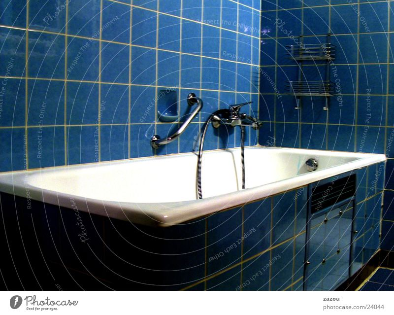 modern bathroom 1970 without pril flowers Bathroom Bathtub Seventies Living or residing Blue Tile Retro
