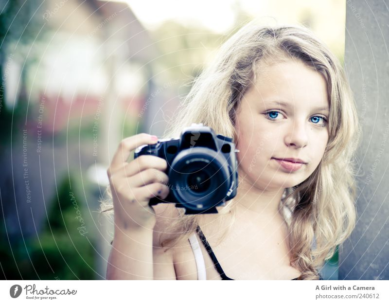 hey you! Leisure and hobbies Photography Camera Human being Feminine Youth (Young adults) Head 1 Looking Blonde Cool (slang) Friendliness Happiness Happy