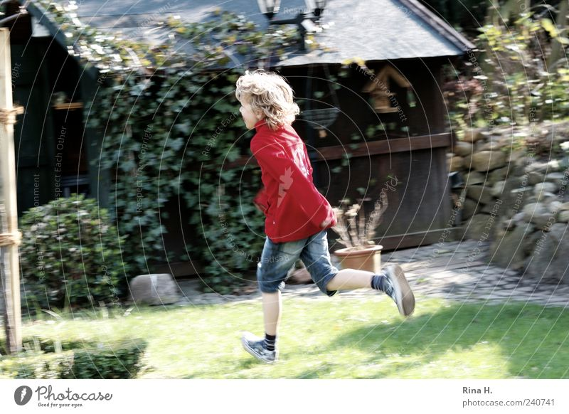Run Boy Human being Masculine Child Boy (child) 1 3 - 8 years Infancy Garden Jeans Sneakers Blonde Curl Running Walking Playing Authentic Happiness Wild