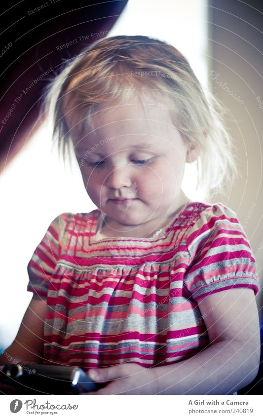 little sweet Human being Child Toddler Girl Infancy 1 1 - 3 years Utilize Observe Study Looking Blonde Happy Beautiful Natural Cute Interest Take a photo Camera