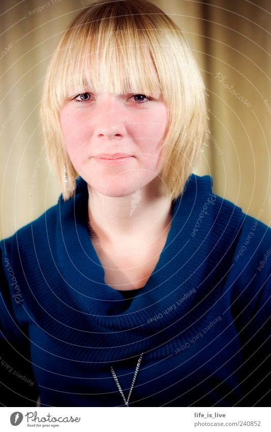 natural_0 Feminine Young woman Youth (Young adults) Face Blonde Bangs Looking Esthetic Natural Sympathy Friendship Uniqueness Ease Contentment Self-confident