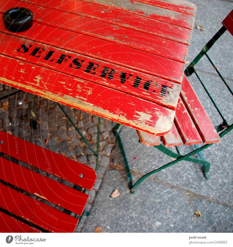 Self-service! says the table Style Bear Cocktail bar Gastronomy Friedrichshain Stone wood Characters Utilize Simple Red Moody Serene Flexible Colour Uniqueness