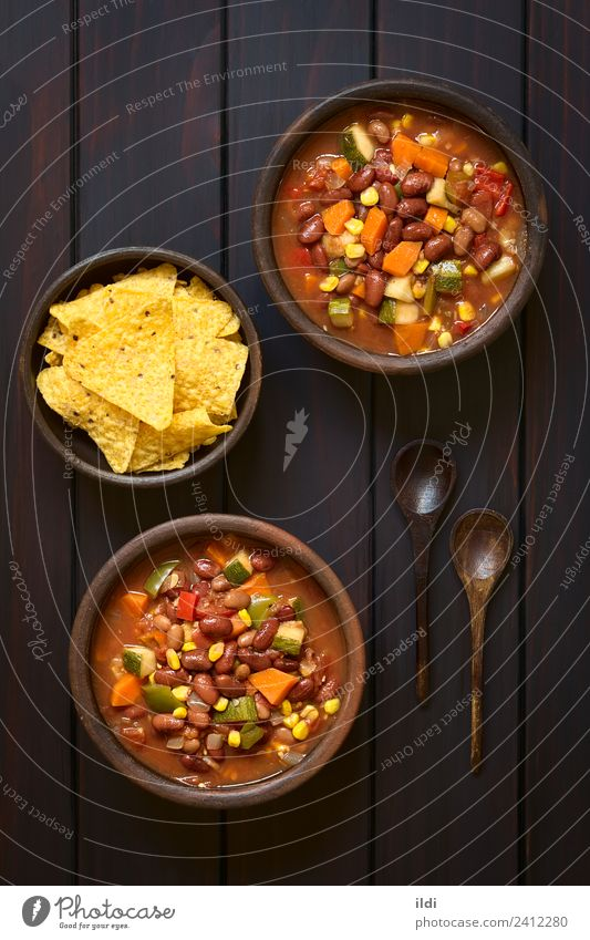Vegetarian Chili Dish Fresh Vegetable Meal Vegetarian diet Tomato Vertical Rustic Carrot Snack Pepper Onion Home-made Zucchini