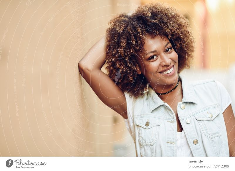 Young black woman, afro hairstyle, smiling Lifestyle Style Happy Beautiful Hair and hairstyles Face Human being Feminine Young woman Youth (Young adults) Woman