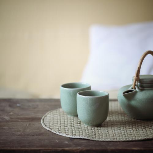 Relaxation Flat (apartment) Table Beverage Living or residing Tea Crockery Armchair Teapot Hot drink
