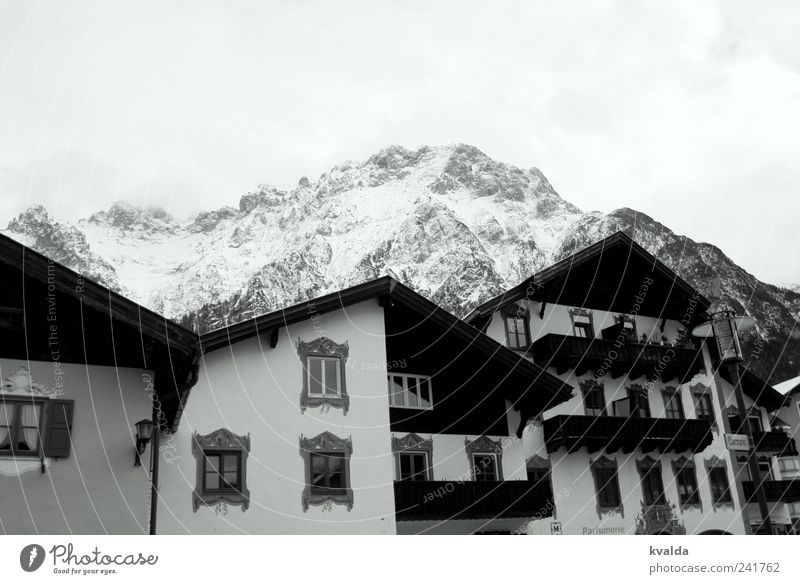 White Vacation & Travel House (Residential Structure) Cold Snow Window Mountain Trip Hiking To go for a walk Alps Balcony Bavaria Winter vacation Gable